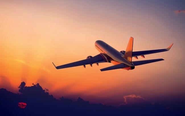 I trucchi per viaggiare comodi in aereo | Cosa portare in aereo