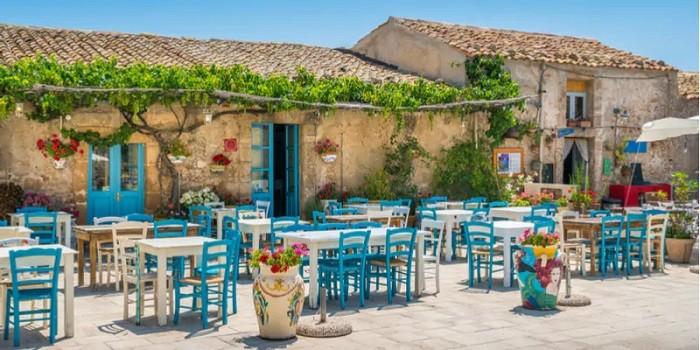 Marzamemi  Marzamemi, un magnifico borgo siciliano sul mare