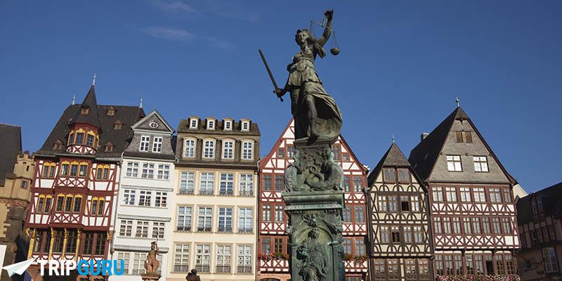 Piazza Römerberg e il suo municipio